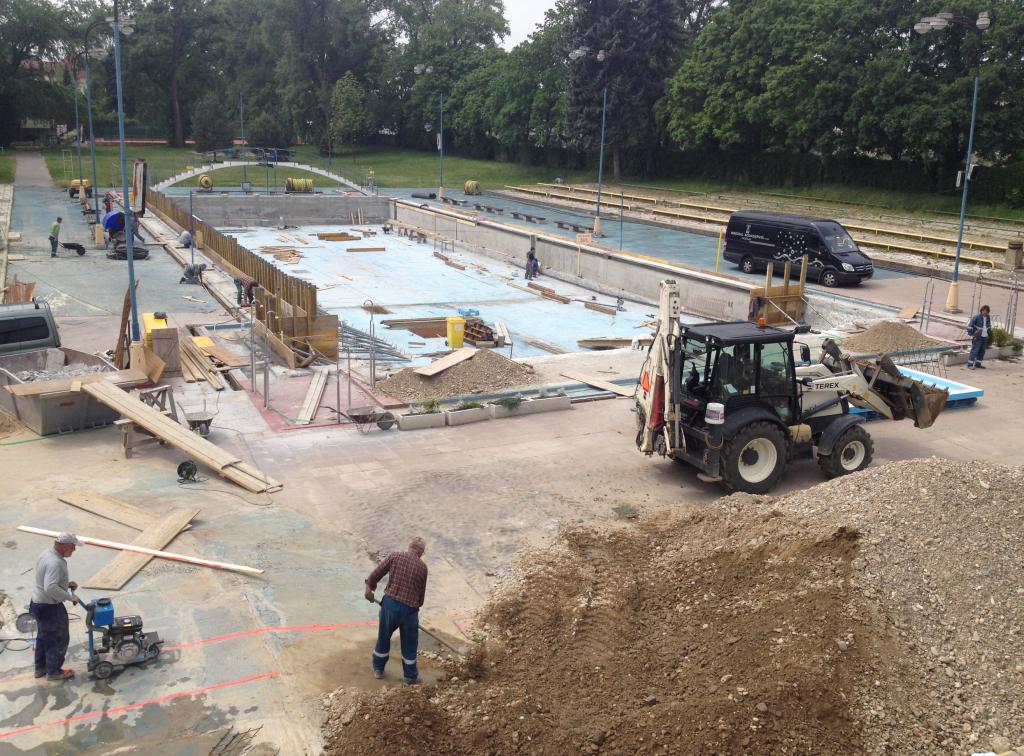 Rekonštrukcia vonkajších bazénov kúpaliska EVA